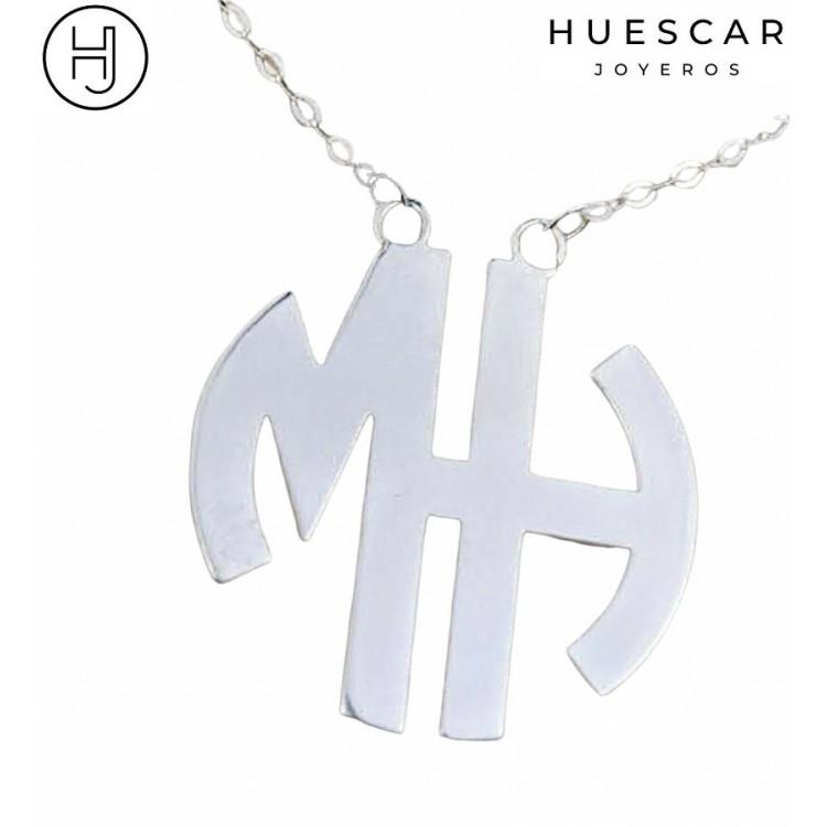 collar personalizado con letras